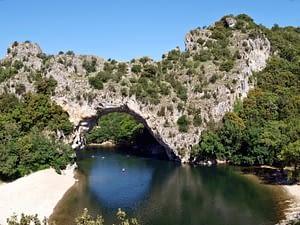 Vallon pont d'Arc en van aménagé